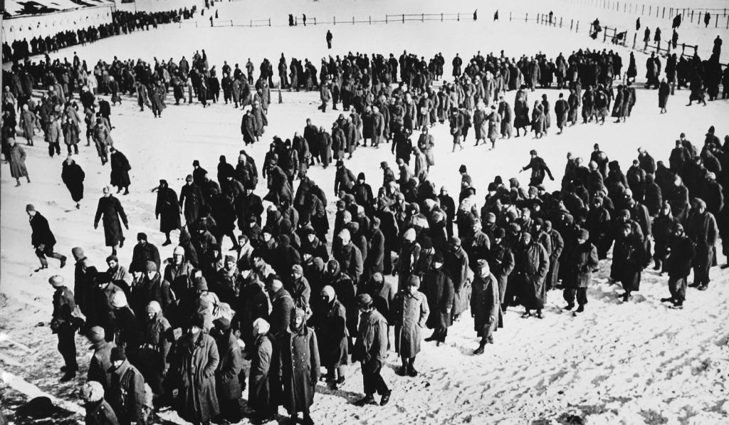 Niemieccy więźniowie po kapitulacji